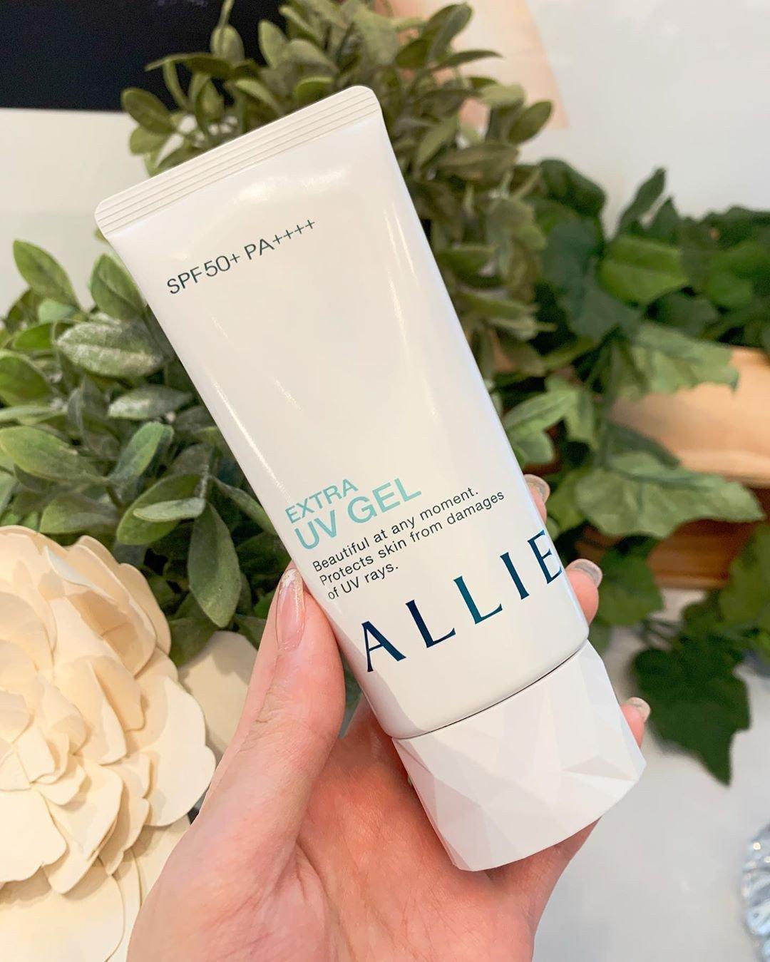 Sản phẩm bảo vệ da khỏi tác hại của tia cực tím trong nhiều giờ nhờ chỉ số chống nắng cao SPF 50+ PA++++ (ảnh: internet).