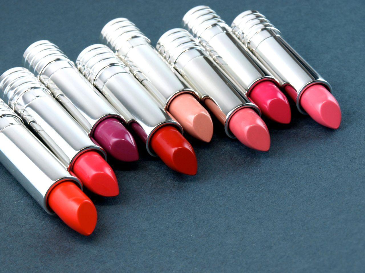 Bảng màu son đa dạng từ đỏ, hồng đến tím (Ảnh: Internet)