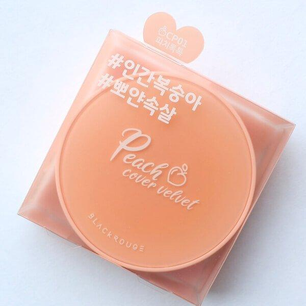 Bao bì hộp giấy của phấn nước trái đào Black Rouge Peach Cover Velvet Cushion. (nguồn: Internet)