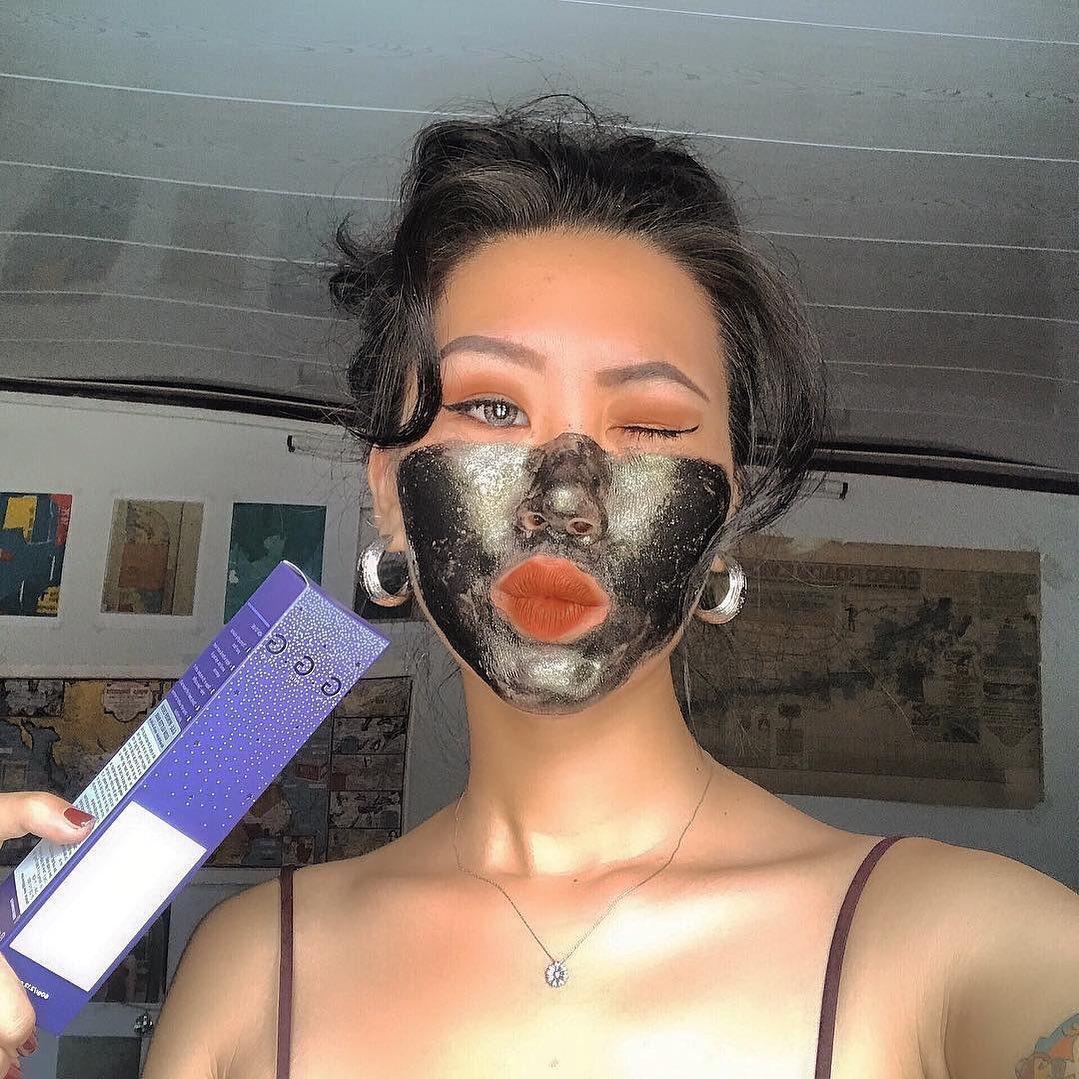 Dùng Wonder Crush Glow Glitter Mask 2-3 lần/tuần (Nguồn: Internet)