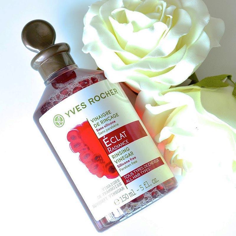 Chai giấm xả tóc Yves Rocher Éclat Radiance Rinsing Vinegar được thiết kế lạ mắt, xinh xắn, dễ thương (ảnh: internet).