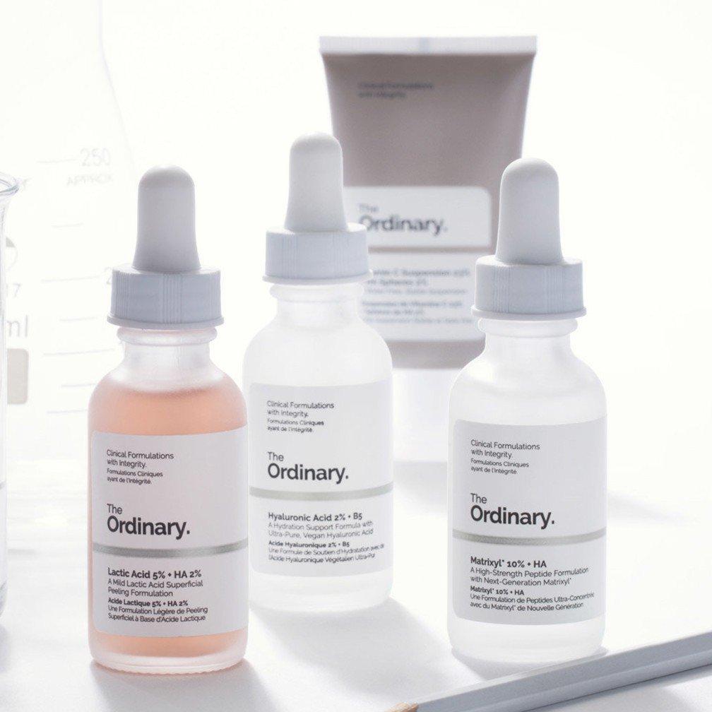 The Ordinary đều được biết đến với các sản phẩm có thiết kế tối giản tương tự nhau. (nguồn: Internet)