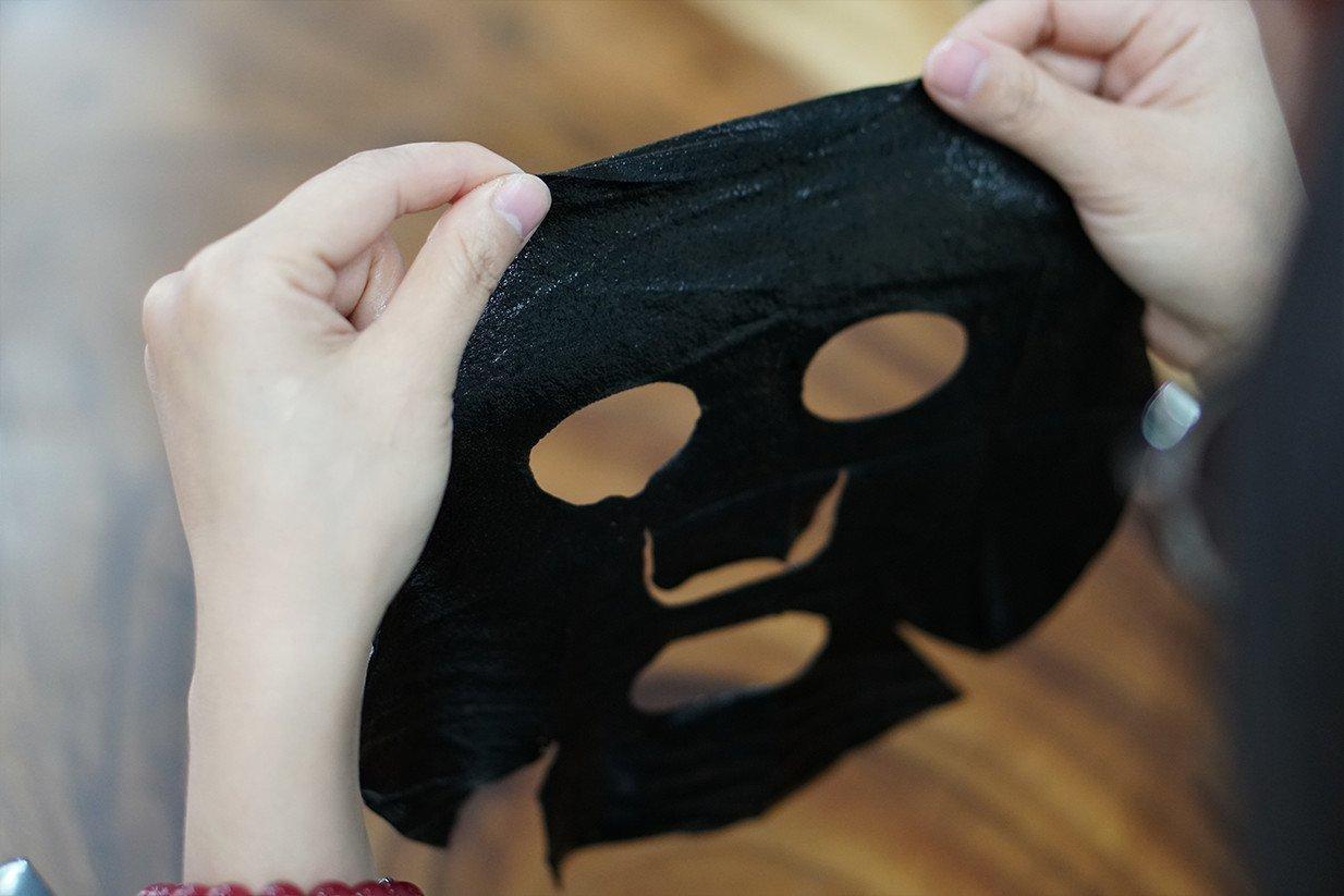 Mặt nạ tràm trà của SEXYLOOK có cách sử dụng thông thường như bao loại mặt nạ khác