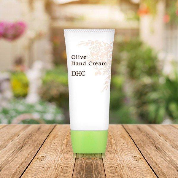 Kem dưỡng da tay DHC chiết xuất Olive tự nhiên (Ảnh: Internet)