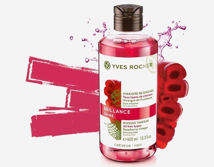 """Giấm xả tóc """"mâm xôi đỏ"""" Yves Rocher có kết cấu dạng lỏng, màu đỏ rượu. (nguồn: Internet)"""