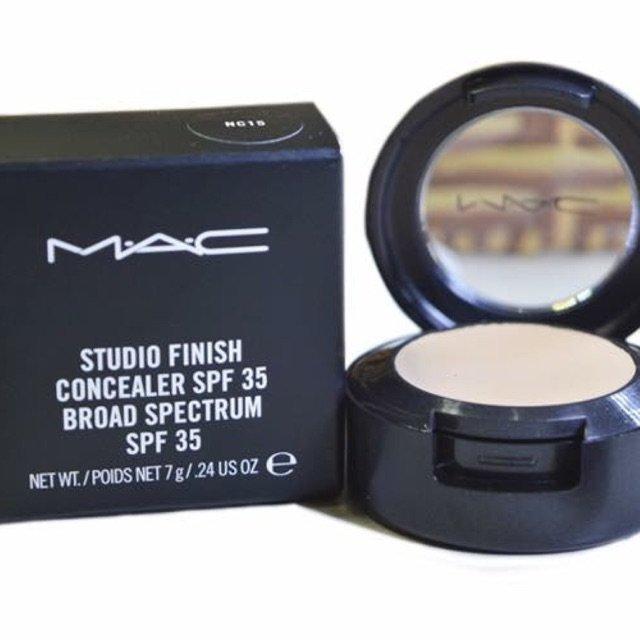 Kem che khuyết điểm MAC Studio Finish SPF 35 (Ảnh: Internet)