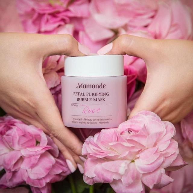 Mặt nạ thải độc chiết xuất hoa hồng Mamonde Petal Purifying Bubble Mask (Ảnh: Internet)