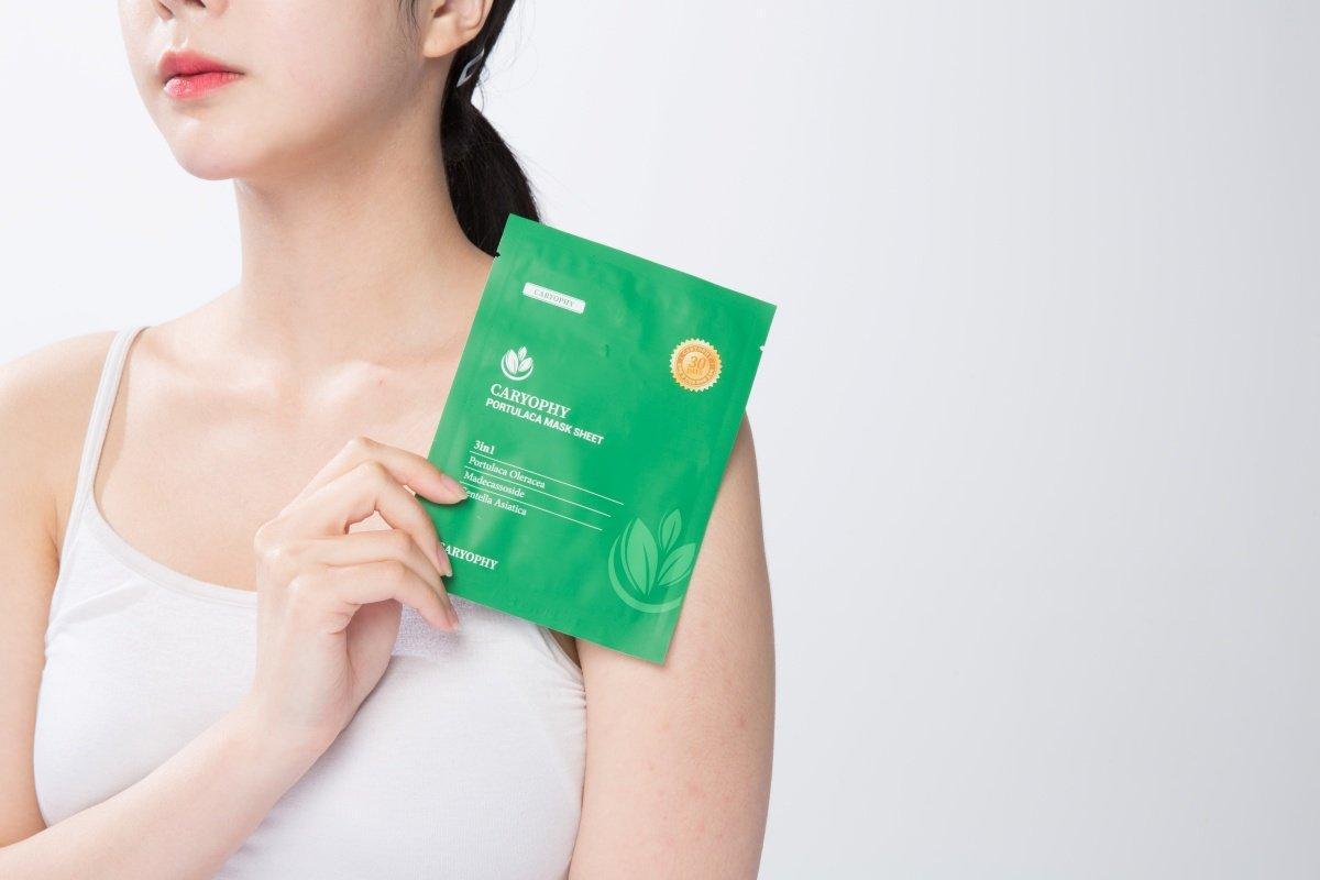 Mặt nạ giấy trị mụn Caryophy đang được phân phối với giá 500.000VNĐ/hộp 10 miếng. (Ảnh: Internet)