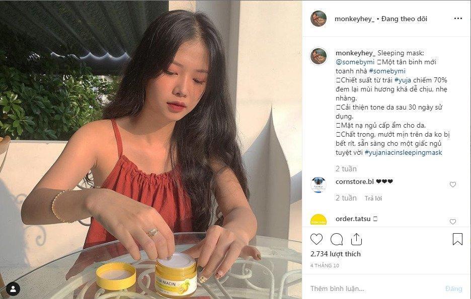 Ngay cả hot instagramer người Việt cũng đã và đang sử dụng mặt nạ ngủ nhà Some By Mi cơ mà. ( Ảnh: BlogAnChoi )