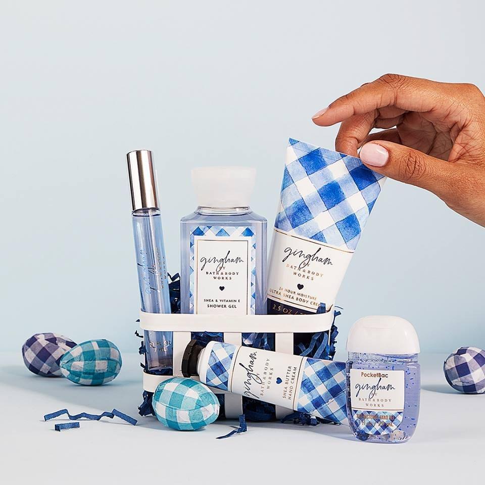 Dòng sản phẩm Gingham thiết kế sang trọng, tinh tế cùng một màu xanh mướt mắt nổi bật của thương hiệu Bath & Body Works. (Ảnh: Internet)