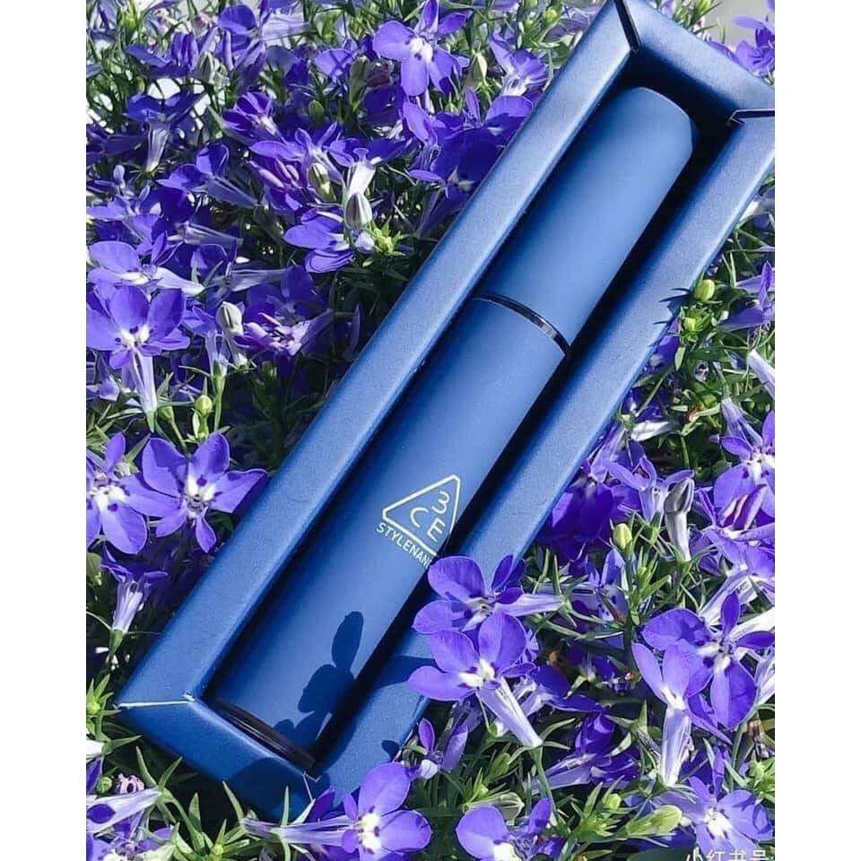 3CE Velvet Lip Tint Neo-Retrolism Edition có thiết kế bắt mắt từ vỏ son cho đến vỏ hộp. (nguồn: Internet)