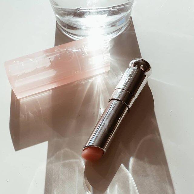 Son dưỡng Dior Lip Glow nổi đình đám trên khắp các diễn đàn làm đẹp. (Nguồn: Internet)