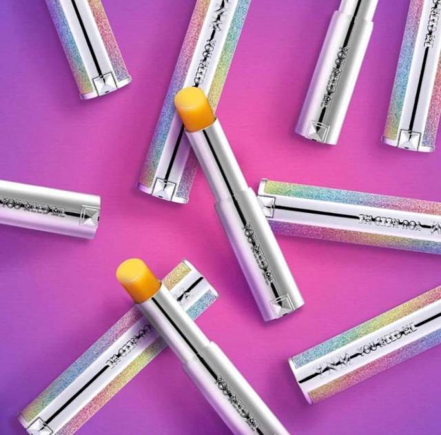 Son dưỡng môi đổi màu YNM Rainbow Honey Lip Balm (Ảnh: Internet)