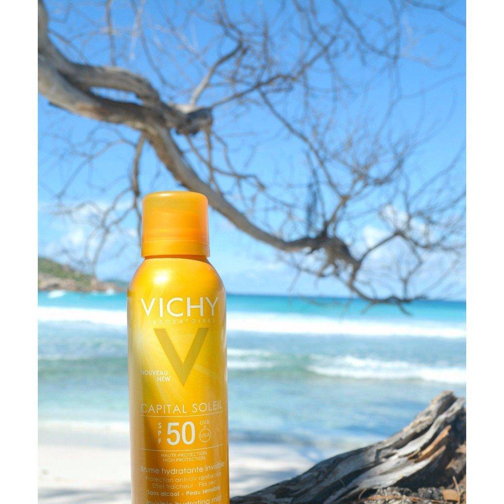 Xịt chống nắng Vichy giúp bảo vệ da trước những tác động của ánh nắng mặt trời và tia UVA, UVB gây ung thư, sạm, bỏng rát da. (Ảnh: Internet)