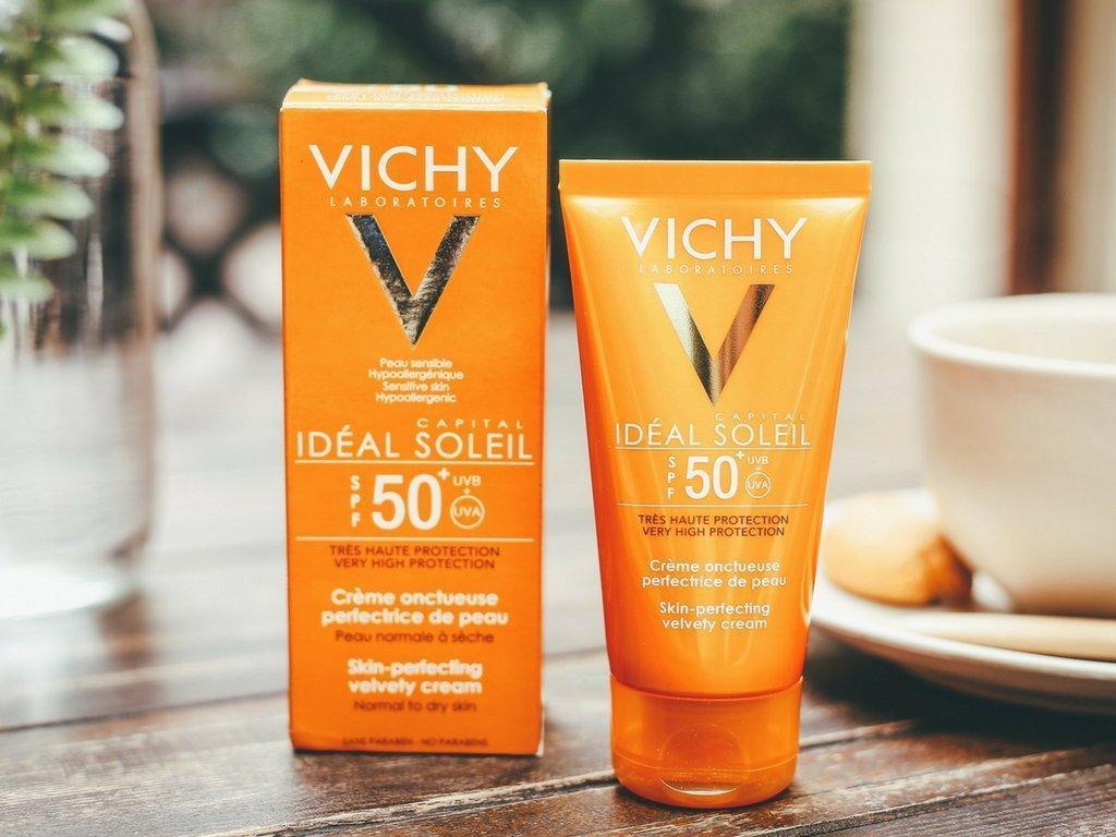 Kem chống nắng Vichy với loạt thành phần chính an toàn, hiệu quả cao trong việc bảo vệ làn da trước tác hại của UV và ánh nắng mặt trời. (Ảnh: Internet)