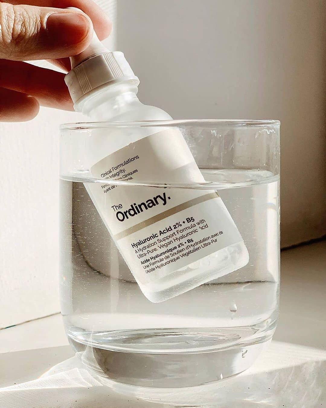 The Ordinary Hyaluronic Acid 2% + B5 Serum hiện đang là sản phẩm được yêu thích và săn đón nhiều nhất. (Nguồn: Internet)