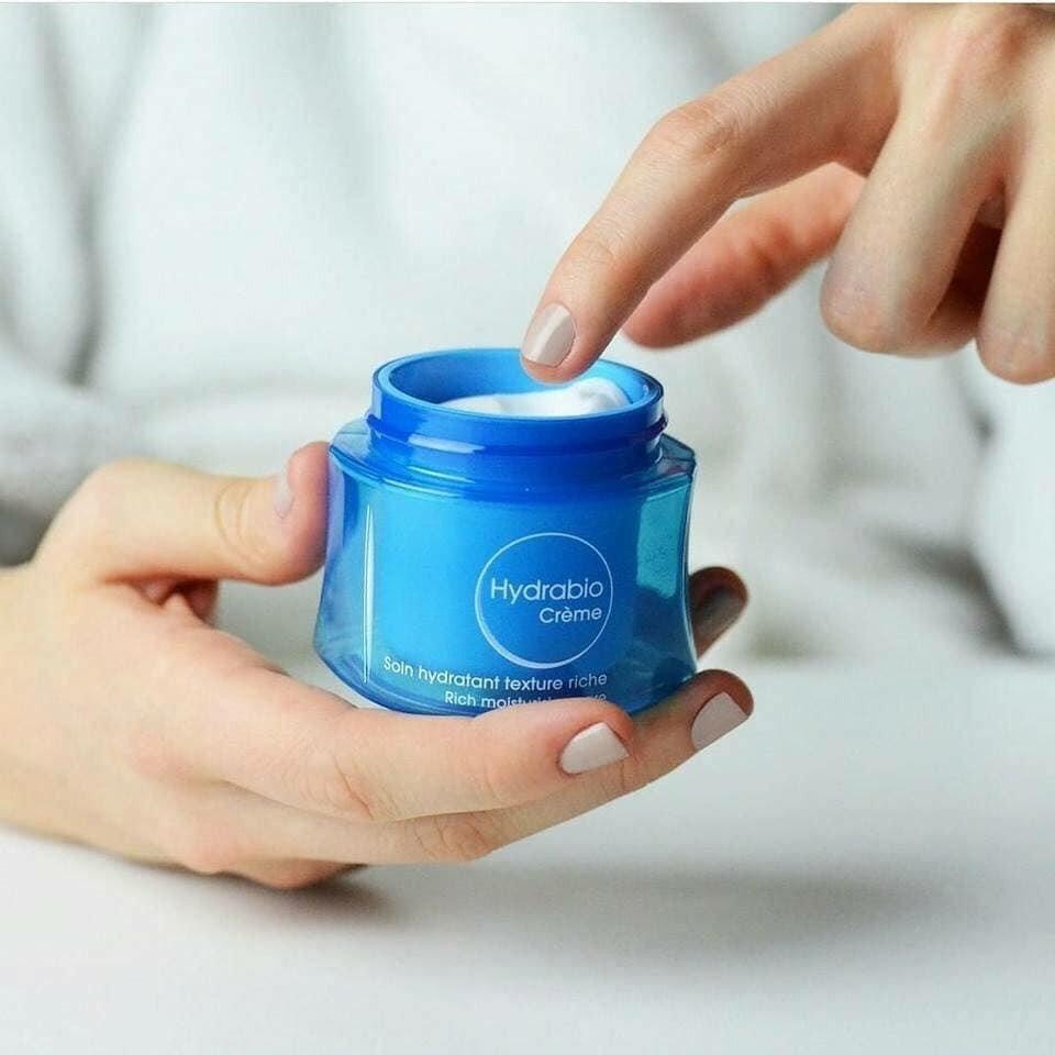 Kem dưỡng ẩm Bioderma Hydrabio Creme đem lại một cảm giác vô cùng dễ chịu khi apply lên da